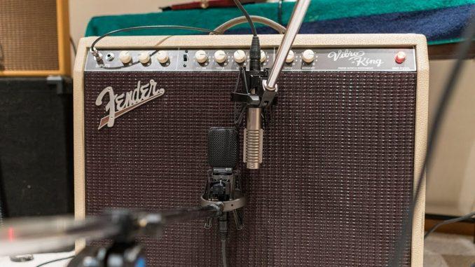 Fender Vibro King Amplifier - Vintage guitar amplifiers