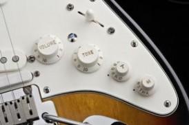 Fender Standard Roland Ready Stratocaster