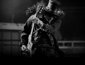 Slash Plays The Godfather Theme Song on Guitar
