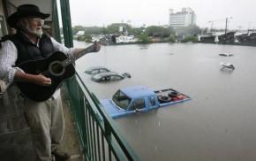 Nashville Flood: Musical Instruments Destroyed [Gibson Flood Les Paul Guitar] 1
