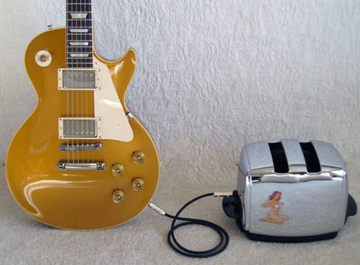 guitar-les-paul-toaster-amplifier-rig