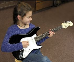 kids-guitars-squier-mini-strat-kids-guitar