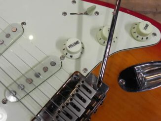squier-stratocaster-bridge.jpg
