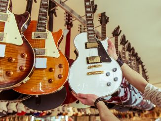 gibson vs epiphone Les Paul Guitars