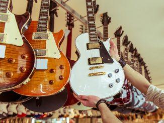 gibson vs epiphone Les Paul Guitars